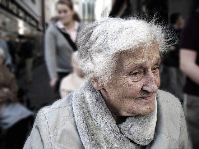 stará žena